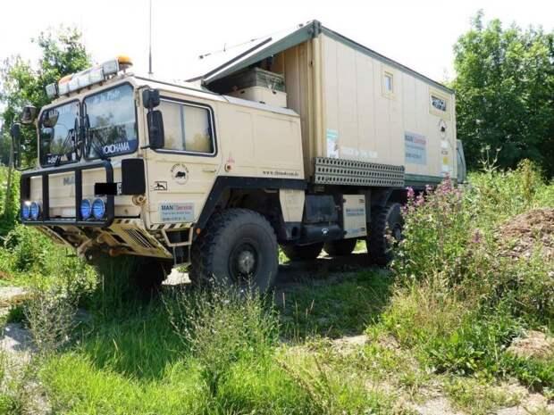 Морской контейнер установили на военный грузовик MAN и получился отличный экспедиционник man, авто, автомобили, внедорожник, грузовик, дом на колесах, кемпер, экспедиционник