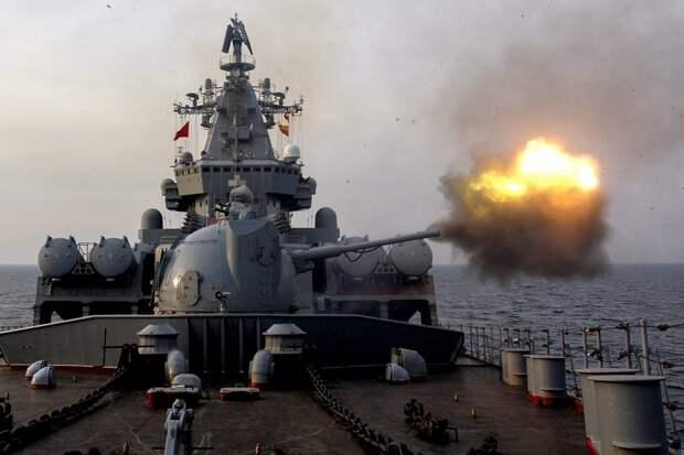 Российские корабли обстреляли район с американскими ракетными эсминцами