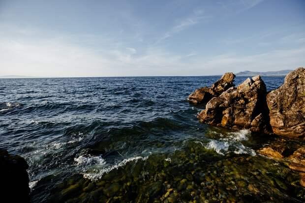 На дне Байкала обнаружили залежи метана и нефти