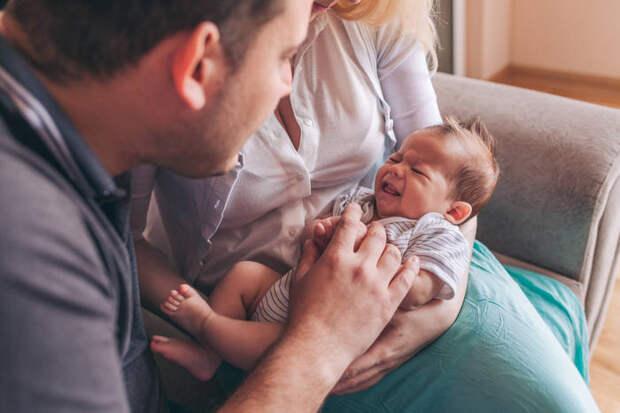 Послеродовая депрессия у отца: как помочь папе адаптироваться к новой роли