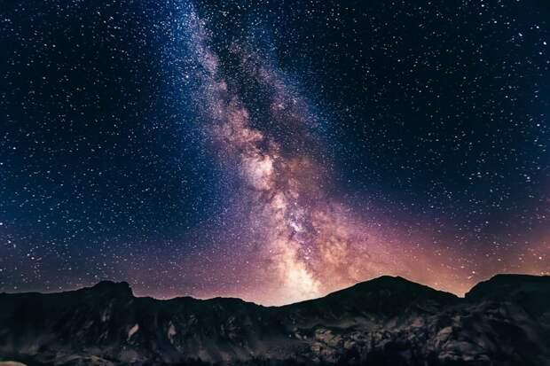 Странный радиосигнал возле центра Млечного Пути поставил ученых в тупик