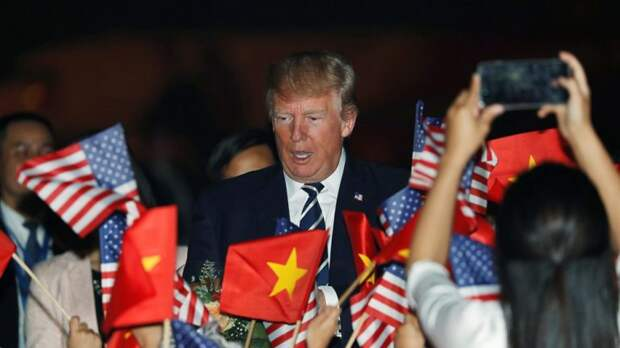 Нецарственная клоунада: страхи и комплексы Дональда Трампа во Вьетнаме