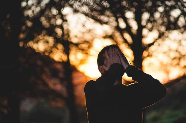 Эти 8 шагов помогут вам самостоятельно справиться с хронической депрессией