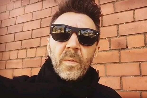 Сергей Шнуров написал стихотворение о комментариях Юрия Лозы