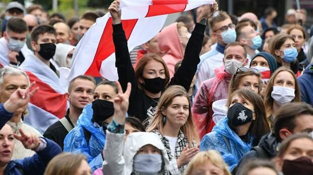 Во время несанкционированной акции протеста оппозиции в Минске - РИА Новости, 1920, 28.09.2020