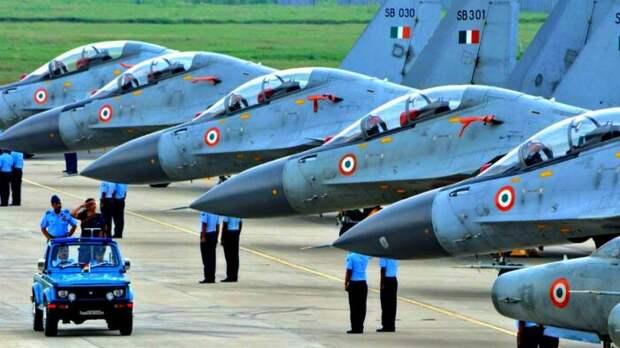 Индия намеревается купить Су-57 из-за бесполезности французских истребителей Rafale