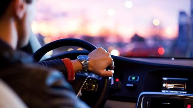 Автоэксперт дал советы по эксплуатации машин с автоматической коробкой передач