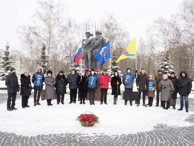 В Хорошево-Мневниках состоялась торжественная церемония возложения цветов к обелиску