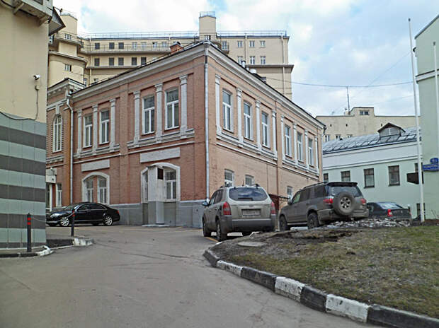 ДОМ.РФ продает имущественный комплекс на Покровском бульваре Москвы