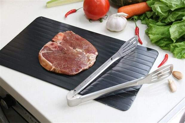 На такой тарелке продукты размораживаются гораздо быстрее. /Фото: images-na.ssl-images-amazon.com