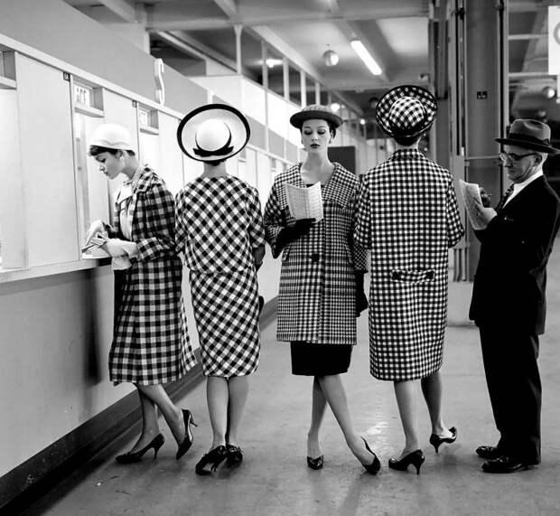 Несколько женственных и элегантных образов 50-х годов