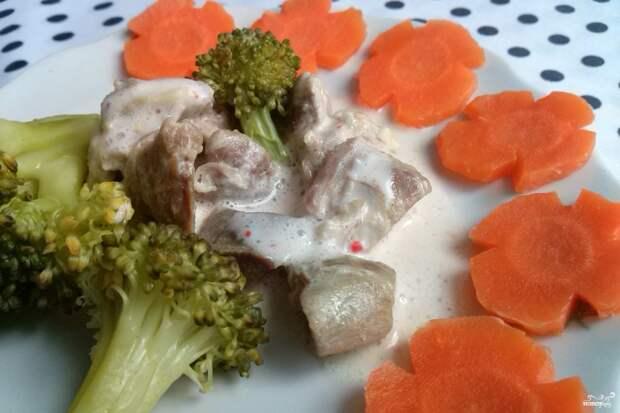 Курица с брокколи в сливочном соусе