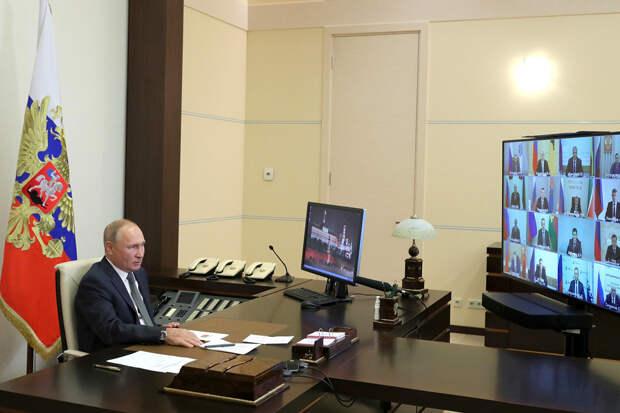 Путин посоветовал губернаторам быть на связи с людьми