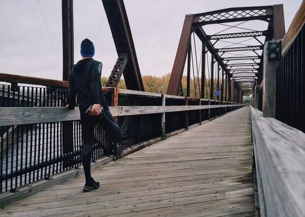 Как укреплять кости и суставы, чтобы на пенсии не ходить с палочкой