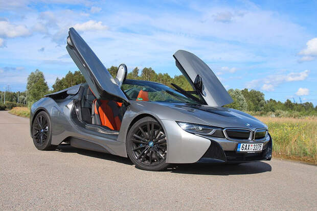 Тюнинг гибридного спорткара - BMW i8 Roadster Bespoke Carbon Edition