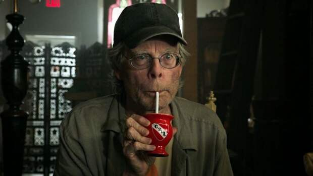 Стивен Кинг похвалил русский сериал за водку, снег и операторскую работу