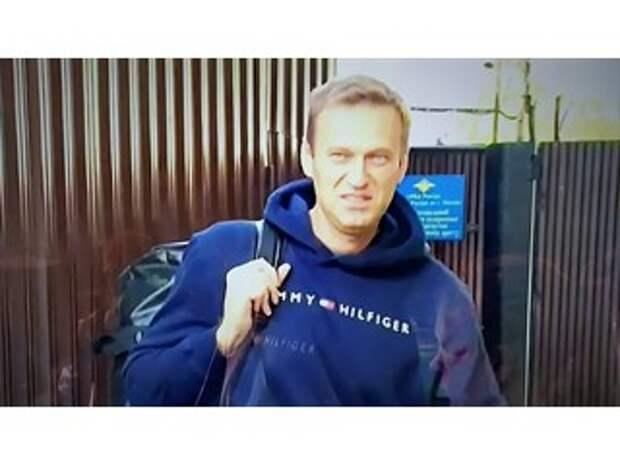 """""""Навальный двинулся в радикалы"""": Обвинил Путина в """"отравлении"""". Теперь - в бега, как Ходорковский?"""