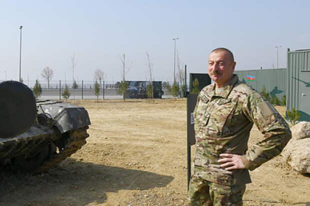 Алиев показал обломки российских «Искандеров» из Нагорного Карабаха