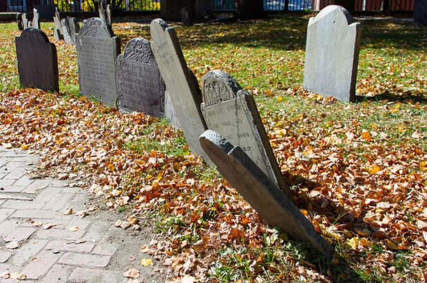 Надгробия XVIII и XIXвеков на холме Коппс Хилл в Бостоне. | Фото: commons.wikimedia.org.