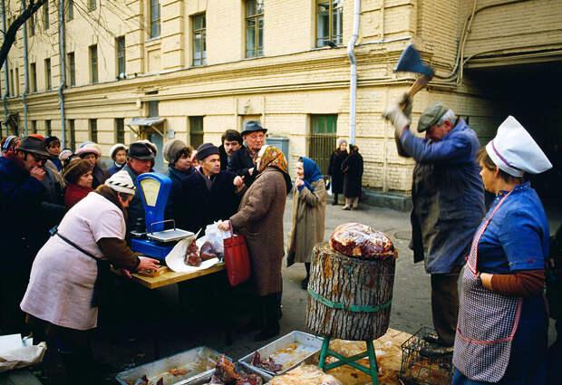 Сравниваем зарплаты в СССР и сейчас.