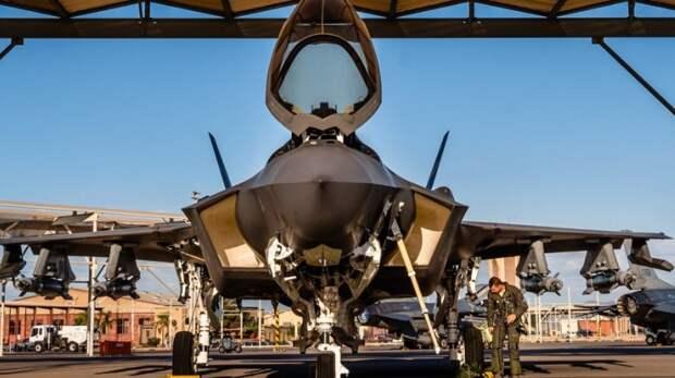 F-35 превратили в F-16 и назвали «зверем»