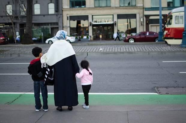 Глава МВД Германии предупредил о новой волне беженцев
