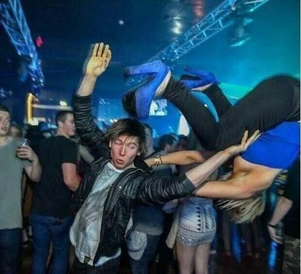 Пятничный отрыв и клубы во всей своей красе вечеринка, дискотека, клуб, молодежь, ночной клуб, прикол, юмор