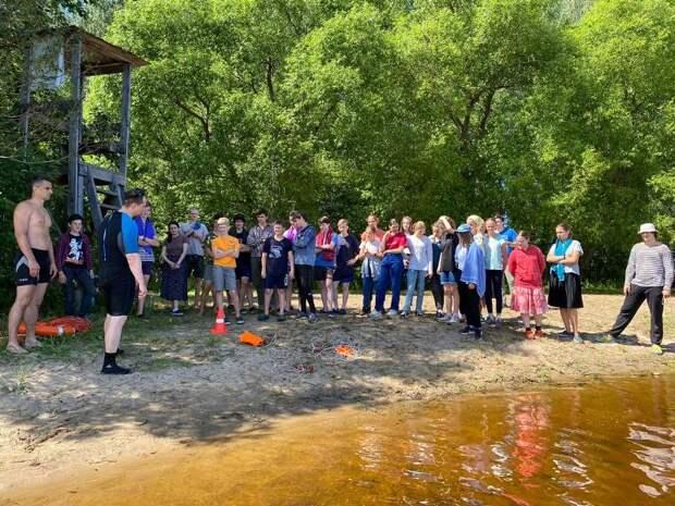 Игры юных спасателей: московские сотрудники МЧС провели учебные сборы студентов