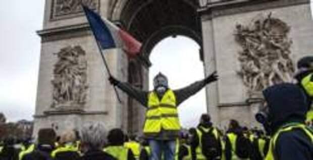 Власти Франции ужесточили наказание за протесты