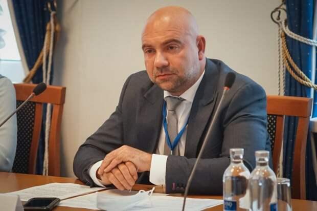 Баженов: «Стратегию нацбезопасности помогут реализовать общественные инспекторы». Фото: Максим Манюров