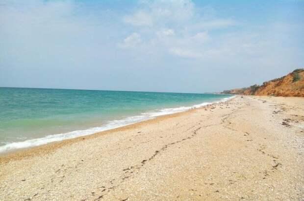 В Севастополе на два пляжа стало меньше
