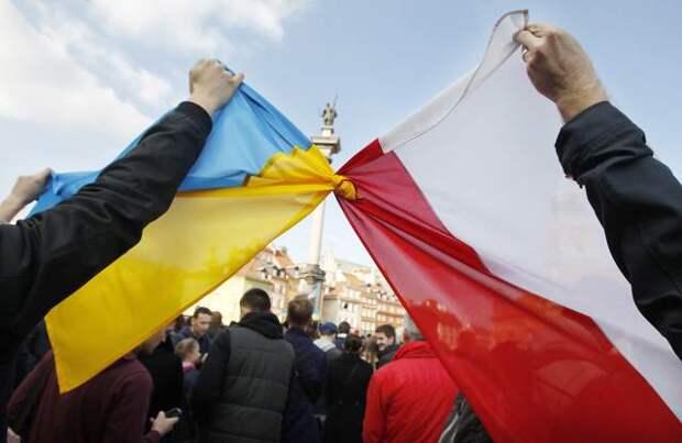 В Польше украинца заставили извиняться за Бандеру на русском языке