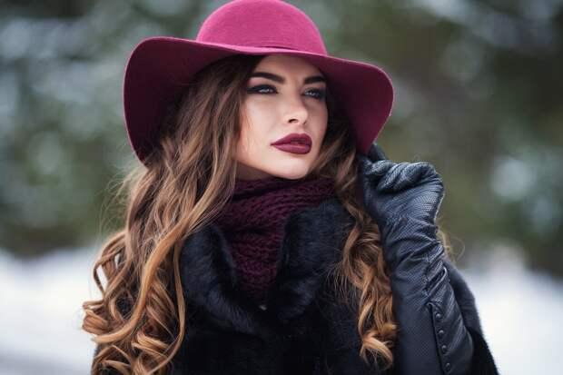 Модный прогноз: какие головные уборы будут актуальны будущей осенью