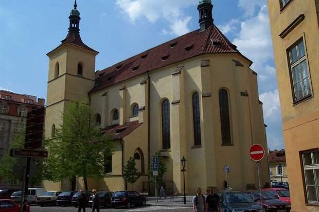 Church_of_the_Virgin_Mary_Before_Tyn_(8349054152) (700x466, 60Kb)