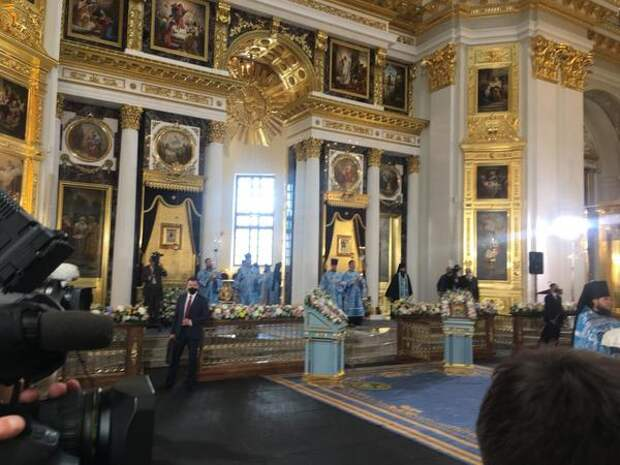 Собор Казанской иконы Божией Матери освятил патриарх Кирилл