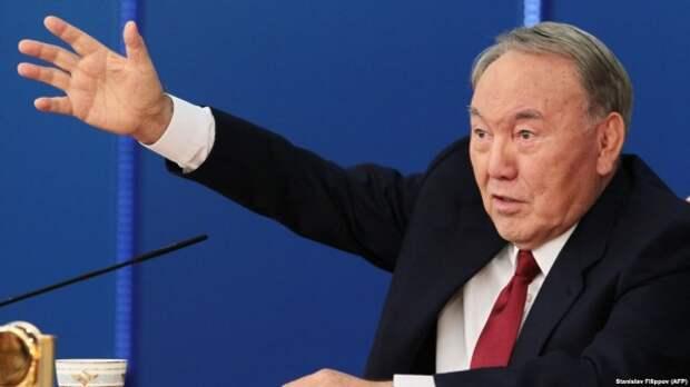 ВКазахстане окончательно утвержден закон опожизненном сроке Назарбаева
