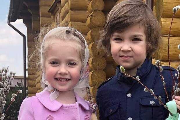 Дети Аллы Пугачевой совершили магический ритуал против коронавируса