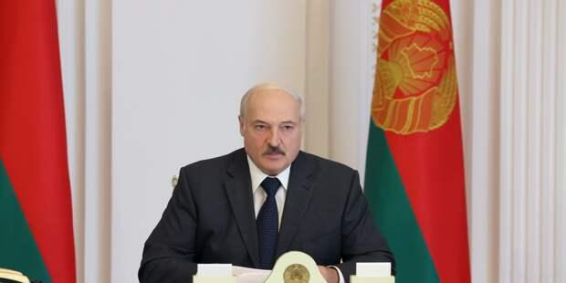 Для Лукашенко протестующие рабочие «погоды не делают»