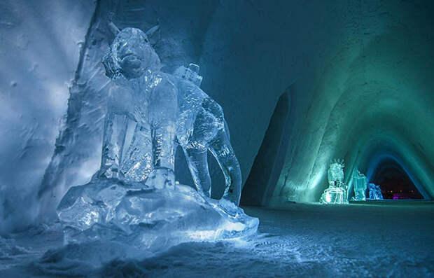 Kirkenes Snow Hotel Norway, sculpture @ Nevra Arts