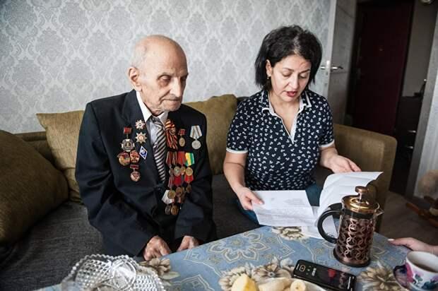 Лилит Хачатрян рассказывает о бесконечной переписке с чиновниками. Те говорят, что ветерану свое жилье не положено: у него и так лишние 40 квадратных сантиметров