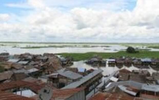 Блог Юрия Хворостова: Почему наводит страх на туристов город в джунглях, в который нет дорог: «Перуанская Венеция» Икитос