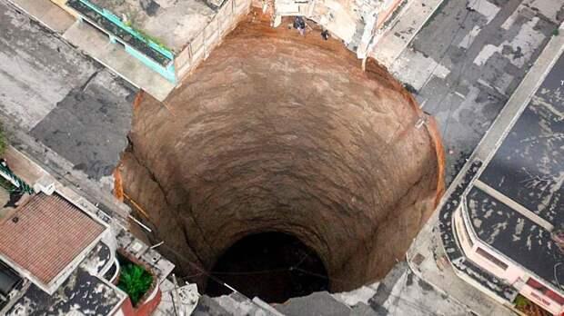 Древний город или Бозульская дыра, из которой можно выпасть