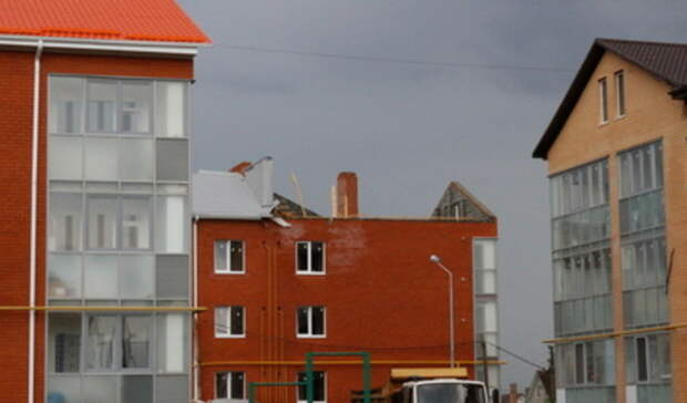 Штормовое предупреждение из-за сильного ветра объявлено вСвердловской области