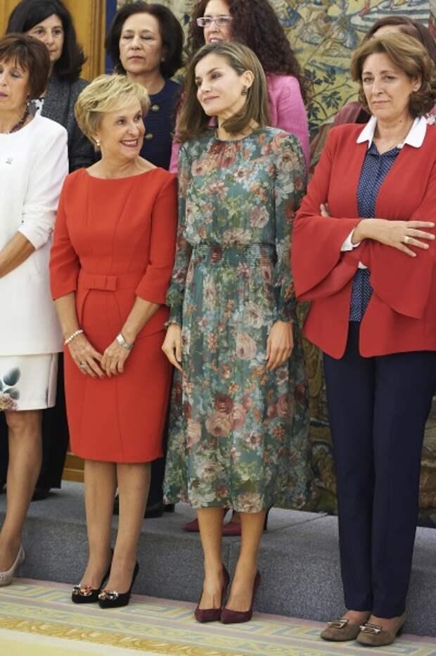 Королева Испании Летиция поразила всех безупречной фигурой в шифоновом платье за пять тысяч рублей