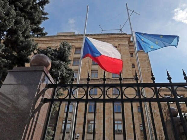 """Россияне нашли способ, как вмиг """"отрезвить"""" Чехию после высылки из Москвы 20 чешских дипломатов"""