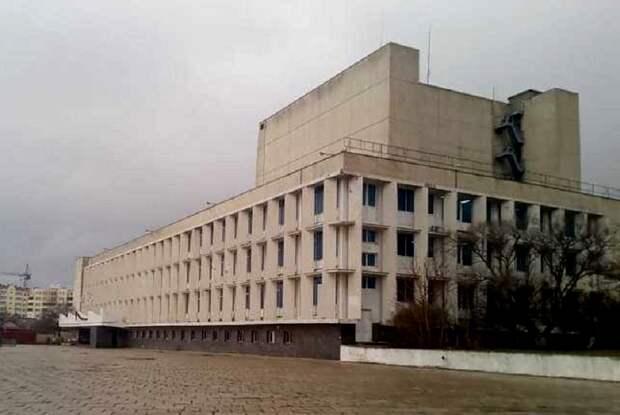 На капремонт площади у Дворца культуры рыбаков Севастополя дают 100 млн