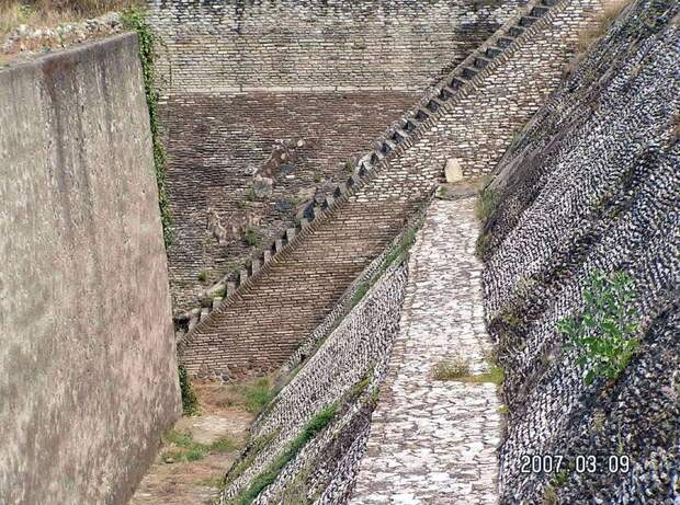 Великая пирамида Чолулы: отрыли или открыли?