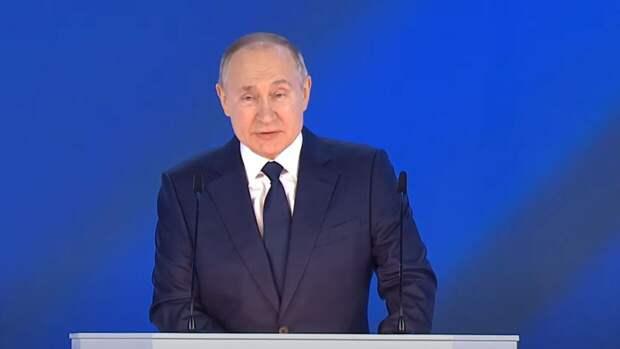 Путин поручил продлить программу туристического кешбэка за поездки по России