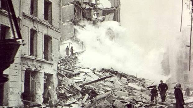 Хотят растворить ужасы войны в скабрезностях: эксперты ответили на секретный доклад ЦРУ о Гитлере