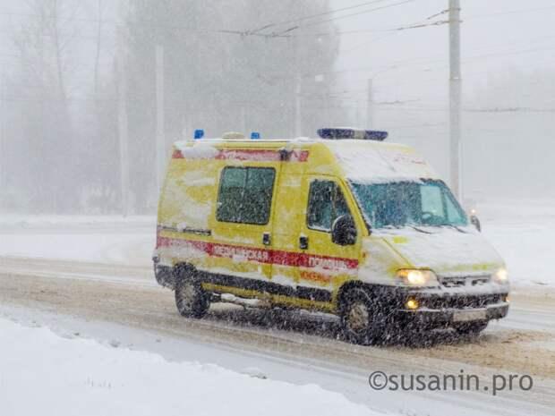 Водитель иномарки сбил двух взрослых и ребенка на трассе в Удмуртии